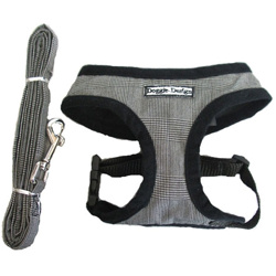Classy Harness & Leash set - Black/Plaid